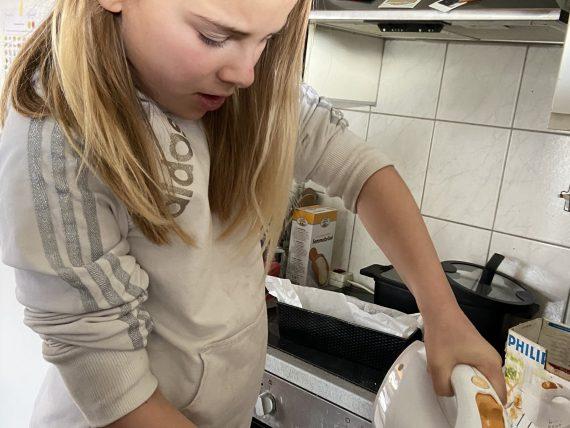 kinderen vrij laten in de keuken